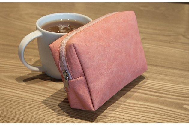Фирменный оригинальный чехол-клатч-сумка для дополнительных аксессуаров из качественной импортной кожи  для Apple MacBook Air 11 Early 2015 (MJVM2/ MJVP2) 11.6 / Apple MacBook Air 11 Early 2014 ( MD711 / MD712) 11.6